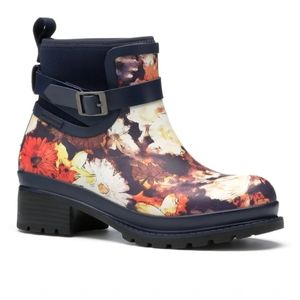 Nwt Muck boot liberty floral ankle rubber boots